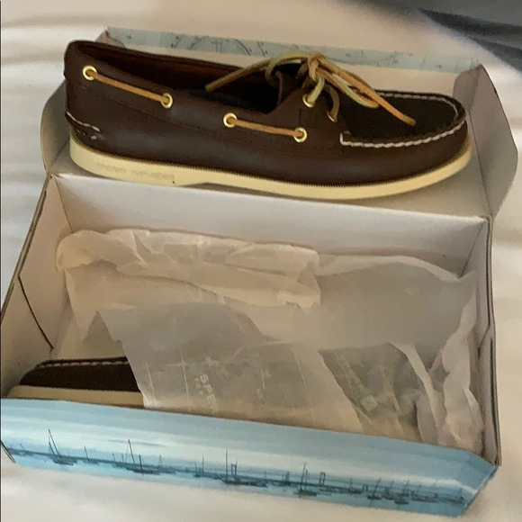 NWT Sperry boat shoes